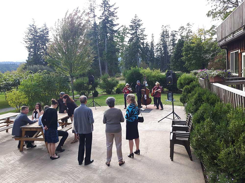 Facilities At Kiwi Cove Lodge On Vancouver Island Bc